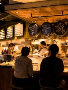 スペイン料理店・イタリア料理店・ハワイアンカフェでキッチンスタッフとして活躍しよう☆彡