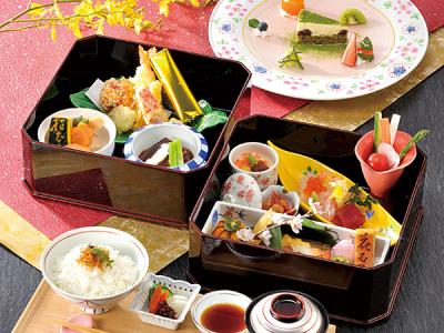 伝統の日本料理から洋食のテイストを取り入れたオリジナル料理まで、経験の幅が広がります