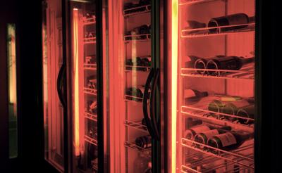 「串×ワイン」のスタイルがおススメ!お料理にピッタリの自然派ワインを多数取り揃えています。