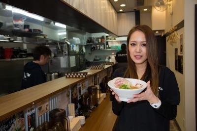 「らーめん専門店 Dragon Man 阪急茨木店」は、2017年11月にオープンしたばかり。