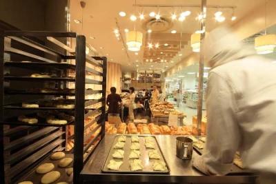 『TSUTAYA』に併設するベーカリーカフェ『リトルマーメイド』で、製パンスタッフを募集します!