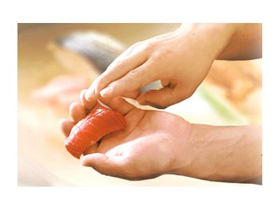 毎日仕入れる新鮮魚介を使ったこだわりの鮨、和食割烹の調理スタッフを募集中!