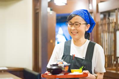 「うな富士」「おか冨士」にて、ホールスタッフを募集!老舗のため安定しています。