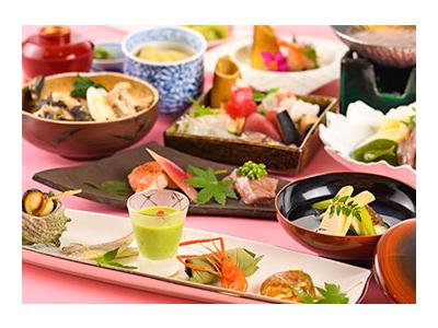 ホテル内の日本料理店で、和食の技術を学ぶチャンスもあります