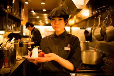 【道産食材を使用したビストロのキッチンスタッフ(料理長候補)募集】未経験者も歓迎♪