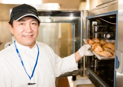 当社が運営する横浜スタジアム事業所のレストランで、調理現場の運営アシスタントとしてご活躍ください!