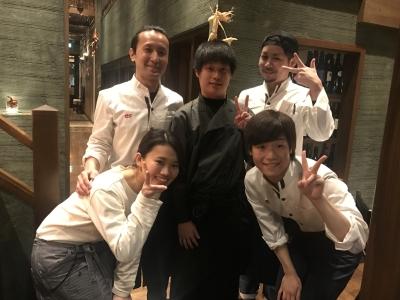 大阪・堺を拠点に肉料理や焼肉のお店を展開しています。2018年6月には立喰い焼肉店がオープン!