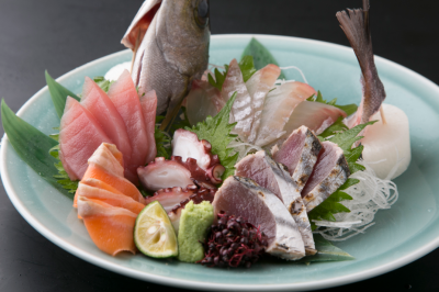 海鮮料理は、その日によって仕入れる魚を変えるこだわり。魚の旨みを活かしたさばく技術が学べます。