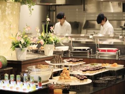 大阪ベイエリアにたたずむホテルの中にあるレストランで、キッチンスタッフを募集します!