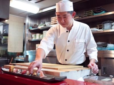 和食の世界はもちろん洋食や中華などの世界で調理技術をみがいてきた方、大歓迎。未経験者もOKです。