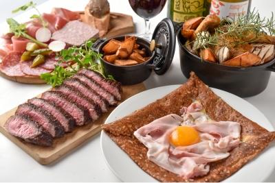 フランス・ブルターニュ地方のクレープ「ガレット」やビストロ料理を提供。幅広い調理スキルが学べます