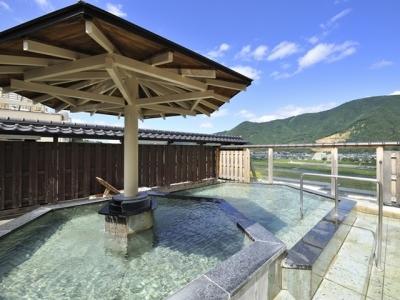 泉質のよい露天風呂も好評です