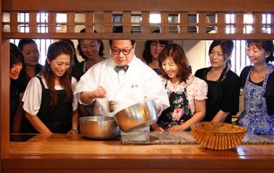 京の老舗、浜作の当主が主宰する料理教室