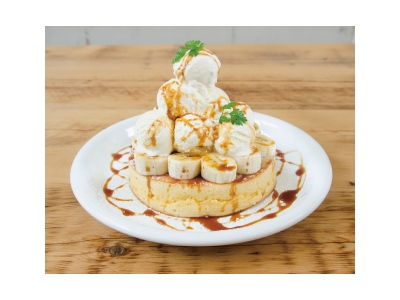 パティシエが作るパンケーキと本格カフェごはんを楽しめるお店として女性客に大人気◎