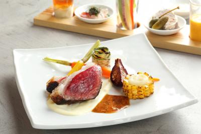 駿河エリアの新鮮な肉・野菜・魚を使った料理をご提供。経験を活かして腕をふるってください。
