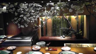 美しい立ち振舞いが身につき、季節ごとの花や本物の器にも触れられ、日本文化についての知識も広がります☆