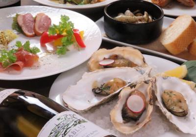 東証マザーズ上場のグループ企業。グループでは飲食事業のほかに、不動産やブライダル事業も行っています。