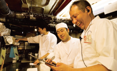 先輩スタッフが丁寧に指導・サポートしますので、未経験の方も安心して飲食のプロをめざせます