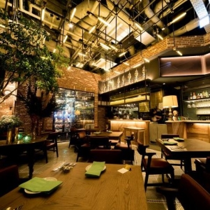 CANVASオリジナルデザインのオシャレなレストランです。
