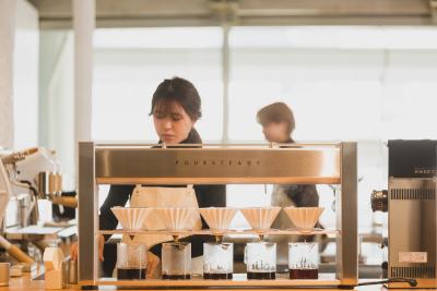 今回は、当社で提供するコーヒー豆の自家焙煎を一手に担う焙煎所で、新しい仲間を募集します!