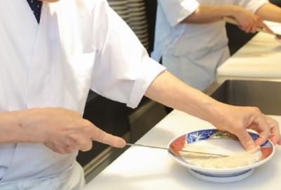 調理師免許お持ちの方必見!ふぐ料理店などで料理長候補募集。ふぐ免許は入社後に取得が可能です。