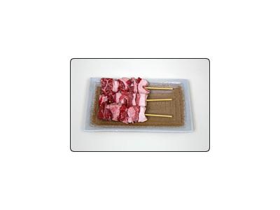 運営母体は、食肉加工卸・焼き鳥串刺加工を行う1988年創業の企業です。
