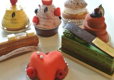 フレッシュケーキから焼き菓子まで、幅広い製菓技術がみがけます。