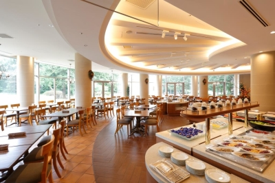 都市型リゾートホテル「フォレスト・イン 昭和館」で、キッチンスタッフを募集。