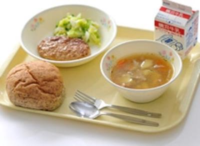 学校や福祉施設、社員食堂などで食事を提供しています!