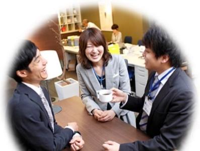 店長、複数店舗を統括するエリアマネージャーや本部スタッフなど、多岐にわたるキャリアアップの道が!