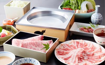 薄切りの豚肉を特製の和風つゆなどで召し上がっていただく「つゆしゃぶ」を提供しています。