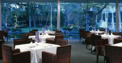 平日はレストラン、休日はゲストハウスとして、お客様をお迎えしています