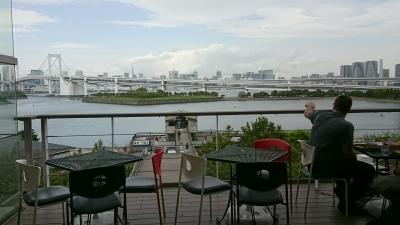 創業から30年。東京湾が見渡せる本格インド料理店で、スタッフを募集します。