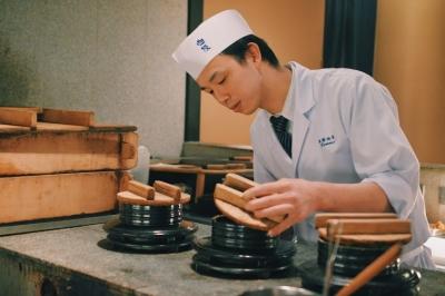 京都の祇園・花見小路にある、伝統と革新の日本料理店で調理スタッフの募集です。