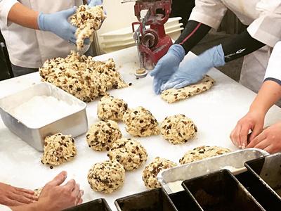 セントラル工場だから、パン作りに集中できる環境です。
