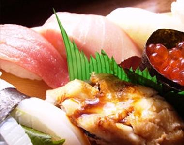 瀬戸の海鮮を使用した握り寿司も人気メニュー!