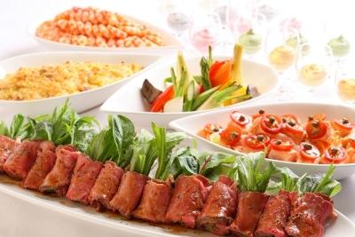 宴会調理ではさまざまなシーンの料理を担当。