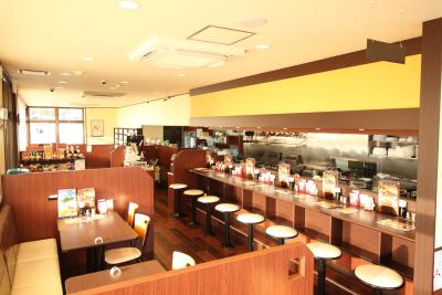 日本全国で人気のカレー専門店で店長候補募集中!リピートファンの多い有名ブランドです!