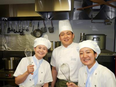 「テラスモール松戸」内にオープンするベーカリーレストランでシェフ候補募集!(写真は本部キッチンラボ)