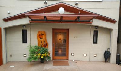 新大宮駅のすぐ近く、奈良で2012年よりミシュラン三つ星を獲得し続けている和食店です