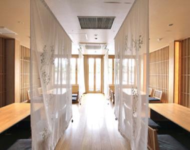 京都祇園、鴨川をのぞむ優美な料亭が、あなたの活躍するステージ!