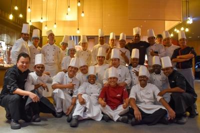 外国人スタッフが多く活躍している厨房!国際色豊かな環境で働きませんか。