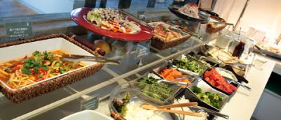 こだわりの食材を使った創作メニューを提供する、人気のビュッフェスタイル!