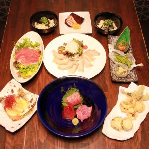 日本全国の食材が楽しめる和食割烹、または辛旨鍋など鍋料理が自慢の居酒屋でのキッチンスタッフ!