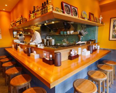 メディアで多数紹介されている、人気の担々麺専門店で楽しくアルバイト!