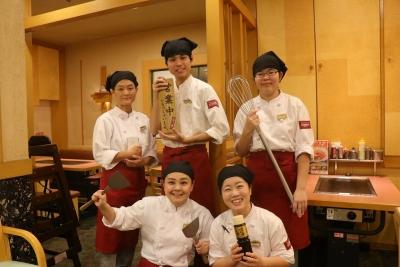 本場・大阪だけでなく、東京・京都・愛知・神奈川など、お好み焼の食文化を各地で広げています。