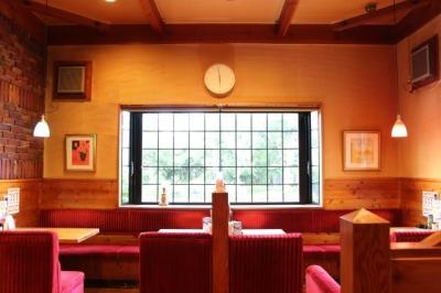 同じ福岡県内、隣接する福津市の「コメダ珈琲 福間駅南店」も当社のFC店です。スタッフ交流も◎