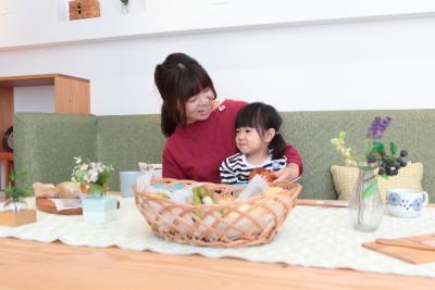 子育てママやファミリーに手に届く豊かさな暮らしをお届けしています。*
