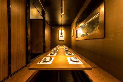 プライベート感が魅力の個室が大人気!人数やシチュエーションに応じて多彩なお部屋をご用意