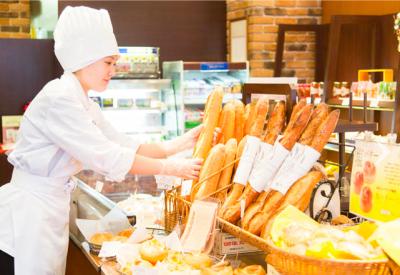 創業100年以上の京都を代表するベーカリーショップで、店舗スタッフとして活躍しませんか。